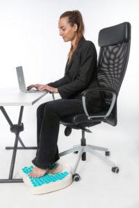Le tapis d'acu-réflexologie Climsom Zen pour réduire la sensation de jambes lourdes