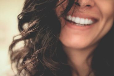 Hormone du bonheure - femme heureuse