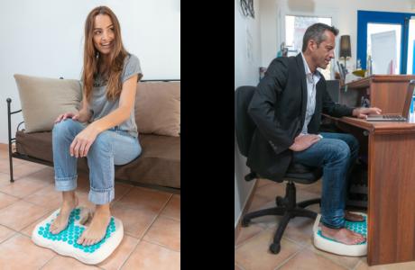 Utilisez le coussin d'acupression pour les pieds chez vous ou au bureau