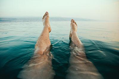 Le froid pour soulager jambes lourdes et jambes sans repos
